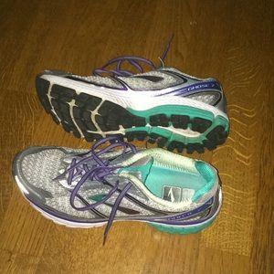 Brooks Running Shoes 10(2A) narrow
